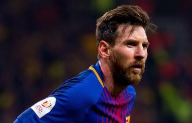 Messi tặng bia cho đối thủ sau khi ghi bàn thắng thứ 644